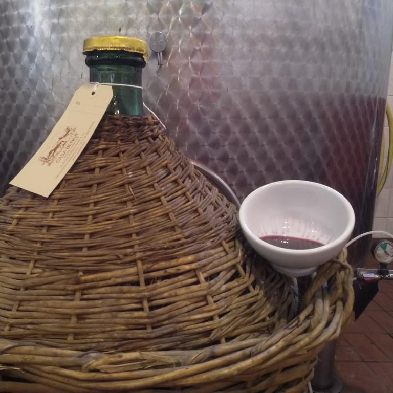 damigiana vino sfuso casa benna piacenza