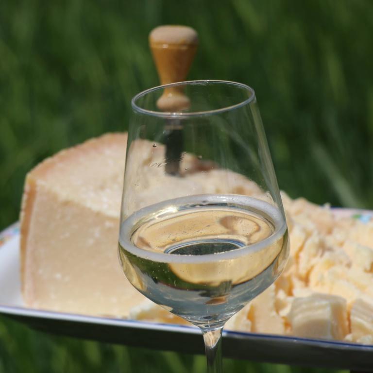 grana e vino sfuso casa benna piacenza